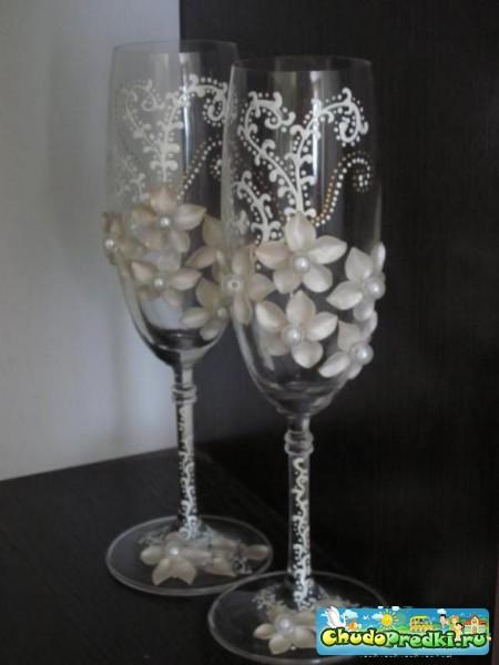 Украшения свадебных бокалов своими руками - идеи.
