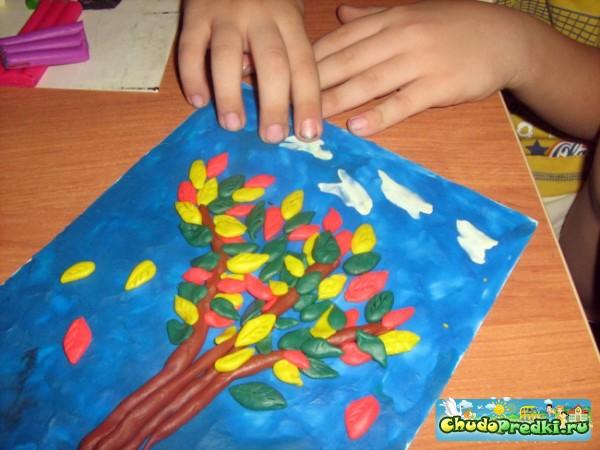 Поделка из пластилина в детском саду