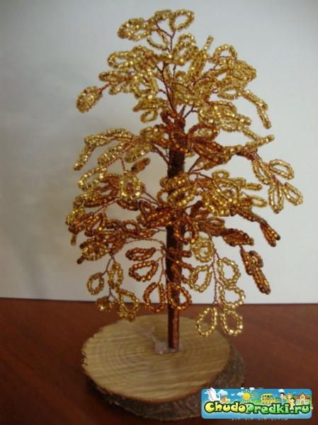 Чтобы изготовить дерево из бисера своими руками, нам поможет в этом... трех золотых оттенков. проволока...