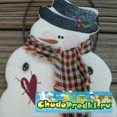 Новогодняя поделка своими руками снеговик из ниток