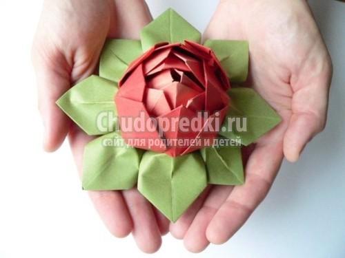 создавать объемные цветы,