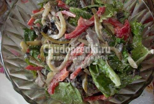Салат из говядины перца огурца