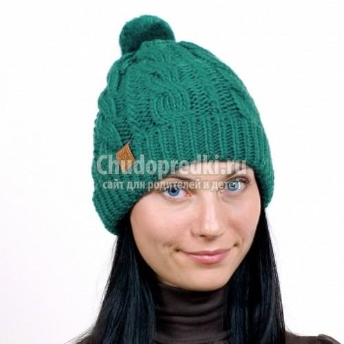 Модная вязаная шапка своими