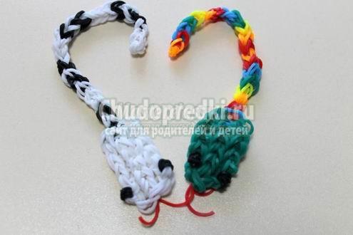 Плетение змейки из резинок на рогатке видео