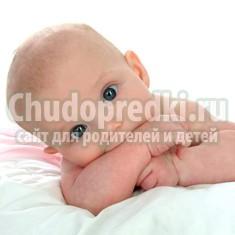 Что умеет малыш в 4 месяца? Подсказки для родителей
