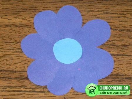 Поделки с детьми. Цветы из бумаги