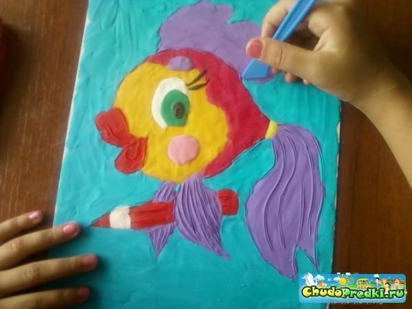 Аппликация из пластилина. Рыбка - художник. Мастер класс с пошаговыми фото