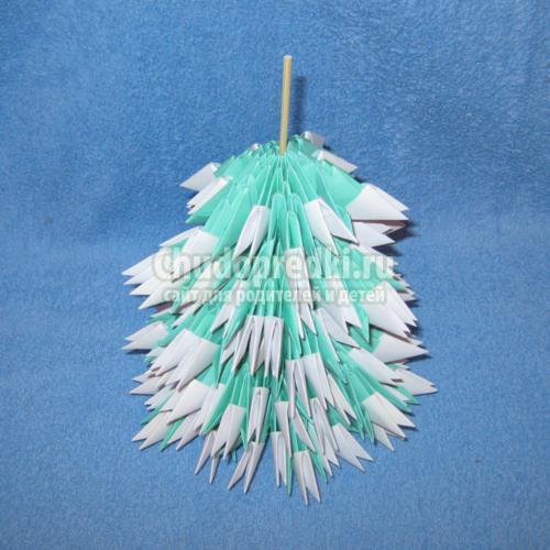 модульное оригами. Заснеженная елочка
