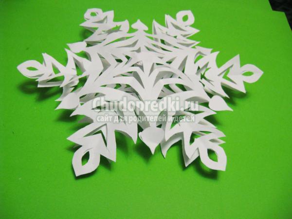 зимние поделки объемная снежинка