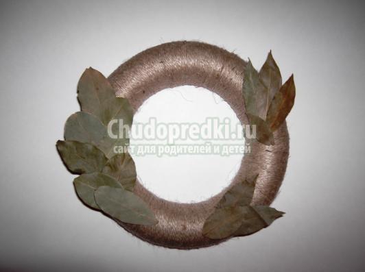венок с лавровыми листьями