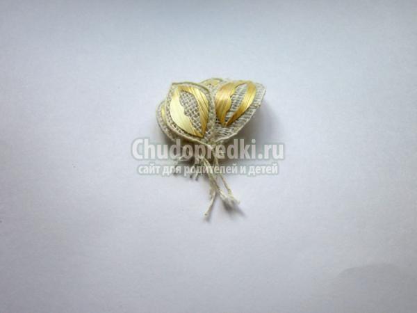 цветы из соломки. Лилия