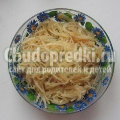 Оригинальный салат из сырого картофеля