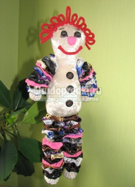 игрушка из лоскутков ткани. Клоун