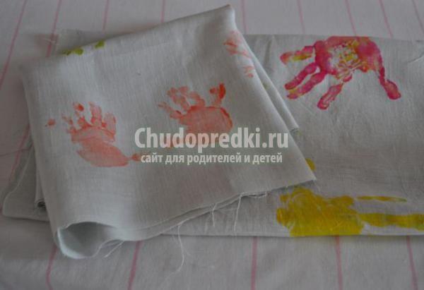 декор полотенца отпечатками ладошек