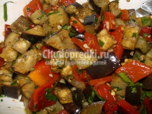 салат из баклажанов с помидорами и чесноком фото