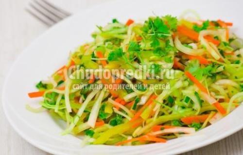 Салат капуста, морковь, уксус