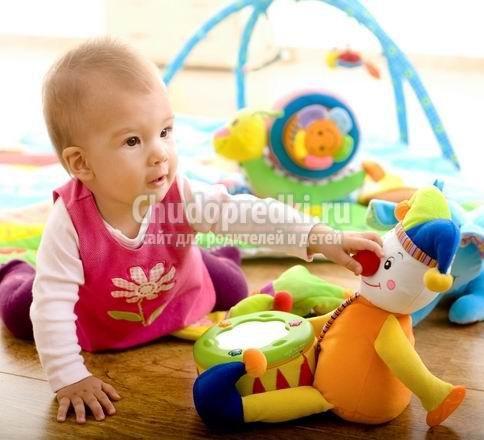 Что подарить ребенку 1 год? Лучшие идеи популярных подарков