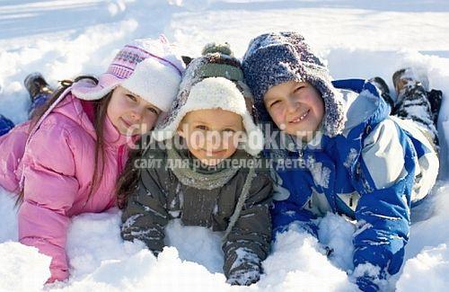 Что одеть на прогулку зимой? Правила для малышей