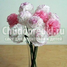 Как сделать цветы из салфеток? Простой мастер-класс