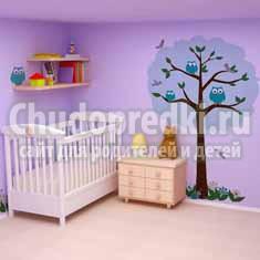 Оформляем стены в детской комнате: обои и наклейки