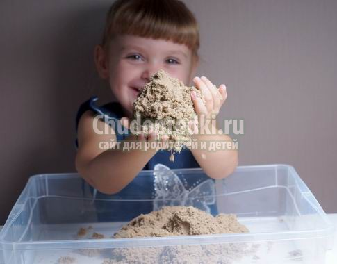 Кинетический песок для детей: польза и правила игры