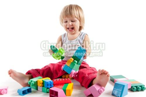 Особенности выбора детских игрушек