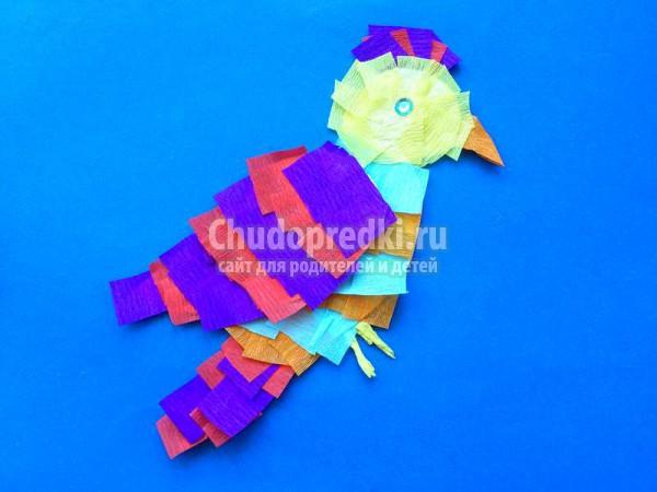 Попугай из гофробумаги