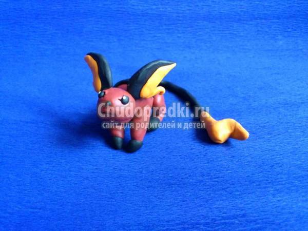 Покемон из пластилина
