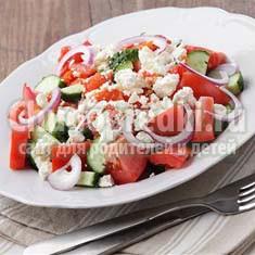 Очень вкусные и недорогие салаты: золотые рецепты с фото