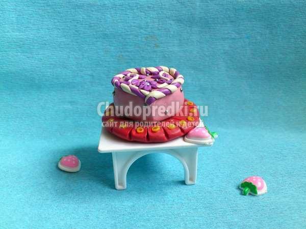 Красивый торт из пластилина