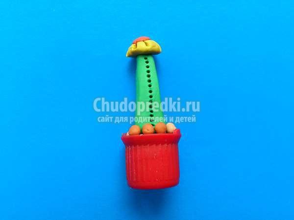 Кактусы из пластилина