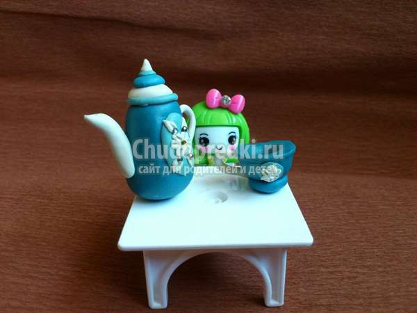 Кукольная посудка из пластилина