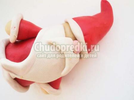 Детские поделки на Новый год. Дед Мороз из пластилина: пошаговый мастер-класс с фото