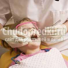 Нужно ли лечить молочные зубы у малышей?
