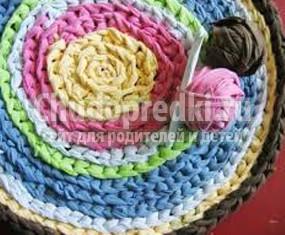 Круглый коврик крючком: лучшие идеи с фото