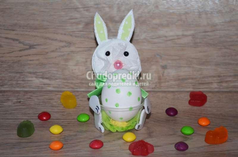 """Красивая подставка под яйцо """"Пасхальный кролик"""" из одноразовой посуды. Пошаговый мастер-класс с фото"""