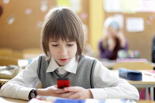 Топ-5 телефонов для ребенка-первоклашки