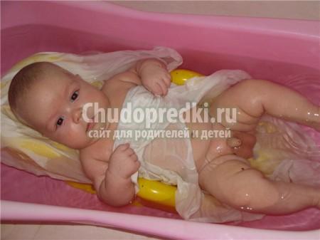 Первое купание малыша. Что необходимо для купания новорожденного