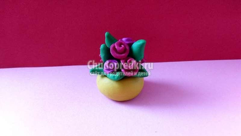 Как слепить розы в вазе из пластилина поэтапно
