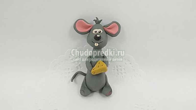 Детские поделки на Новый год 2020. Серая мышка из пластилина. Пошаговый мастер-класс с фото