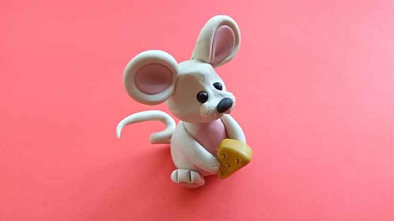 Маленькая мышка из пластилина. Пошаговый мастер-класс с фото