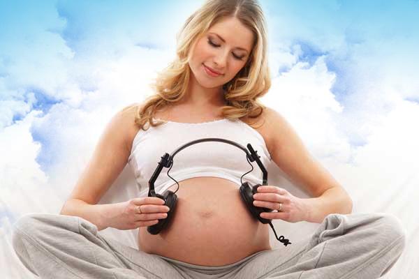 Как знакомить ребенка с музыкой во время беременности
