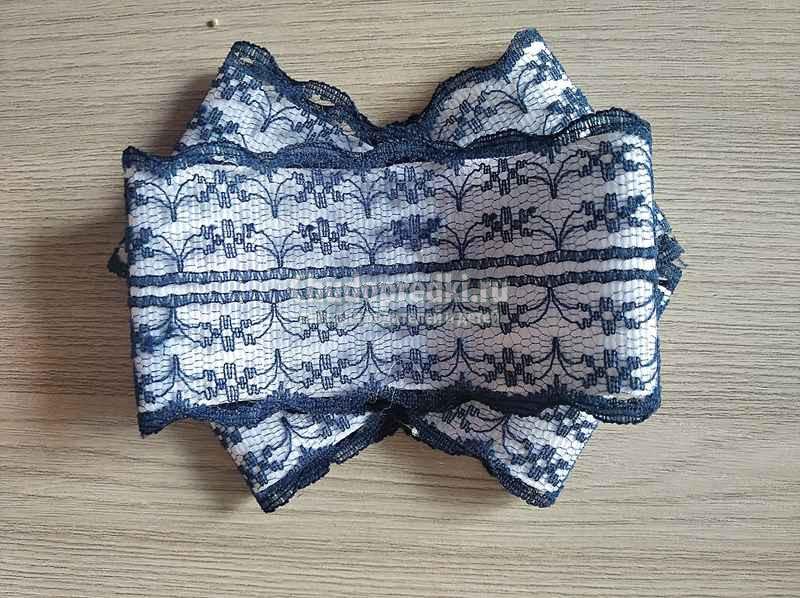 Школьный галстук - броши для девочки из кружева