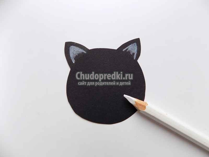 Простые поделки на Хеллоуин из бумаги Летучая мышь