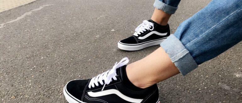 Правильный выбор кроссовок для школы